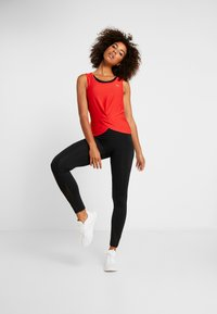 ONLY Play - ONPOLYA TRAINING  - Sportshirt - flame scarlet - 1