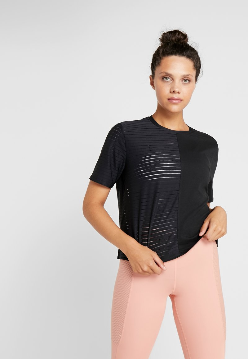 ONLY Play - ONPOLIANA SHORT TEE - T-shirts med print - black