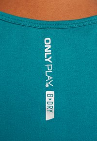 ONLY Play - ONPORA CIRCULAR  - Camiseta de deporte - shaded spruce - 5