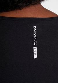ONLY Play - ONPORA CIRCULAR CURVY - T-shirt print - black - 5