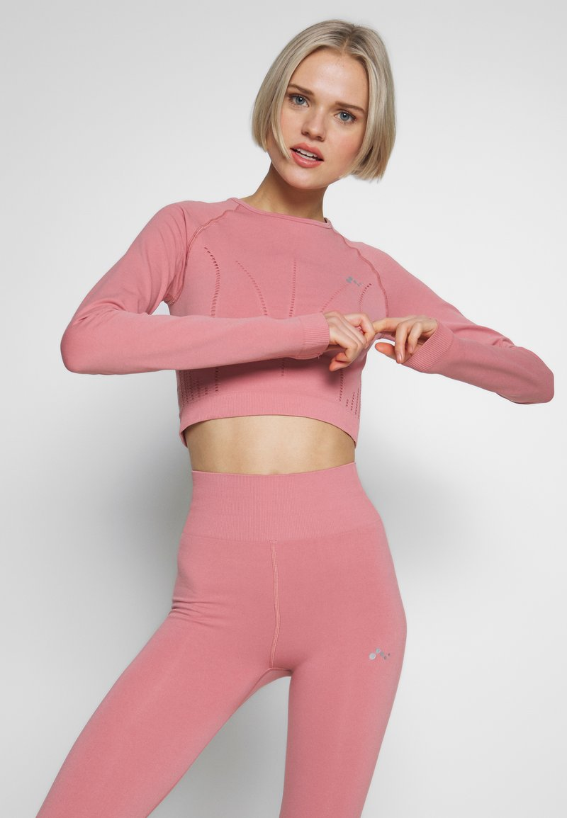 ONLY Play - ONPJAVA CIRCULAR CROPPED - Sports shirt - dusty rose