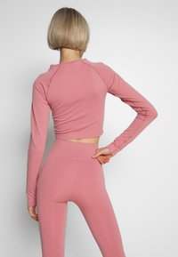 ONLY Play - ONPJAVA CIRCULAR CROPPED - Sports shirt - dusty rose - 2