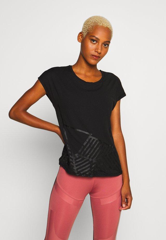 ONPMAGDALENA LOOSE TRAINING TEE - Print T-shirt - black