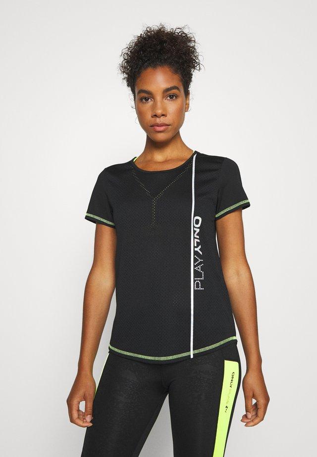 ONPALIX TRAINING TEE - Camiseta estampada - black/safety yellow/iridescent