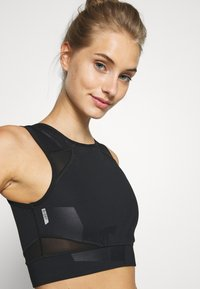ONLY Play - ONPMADO CROPPED TRAINING - Top - black - 4