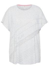 ONLY Play - ONPMAURA LOOSE BURNOUT TEE - T-shirt con stampa - white melange - 4