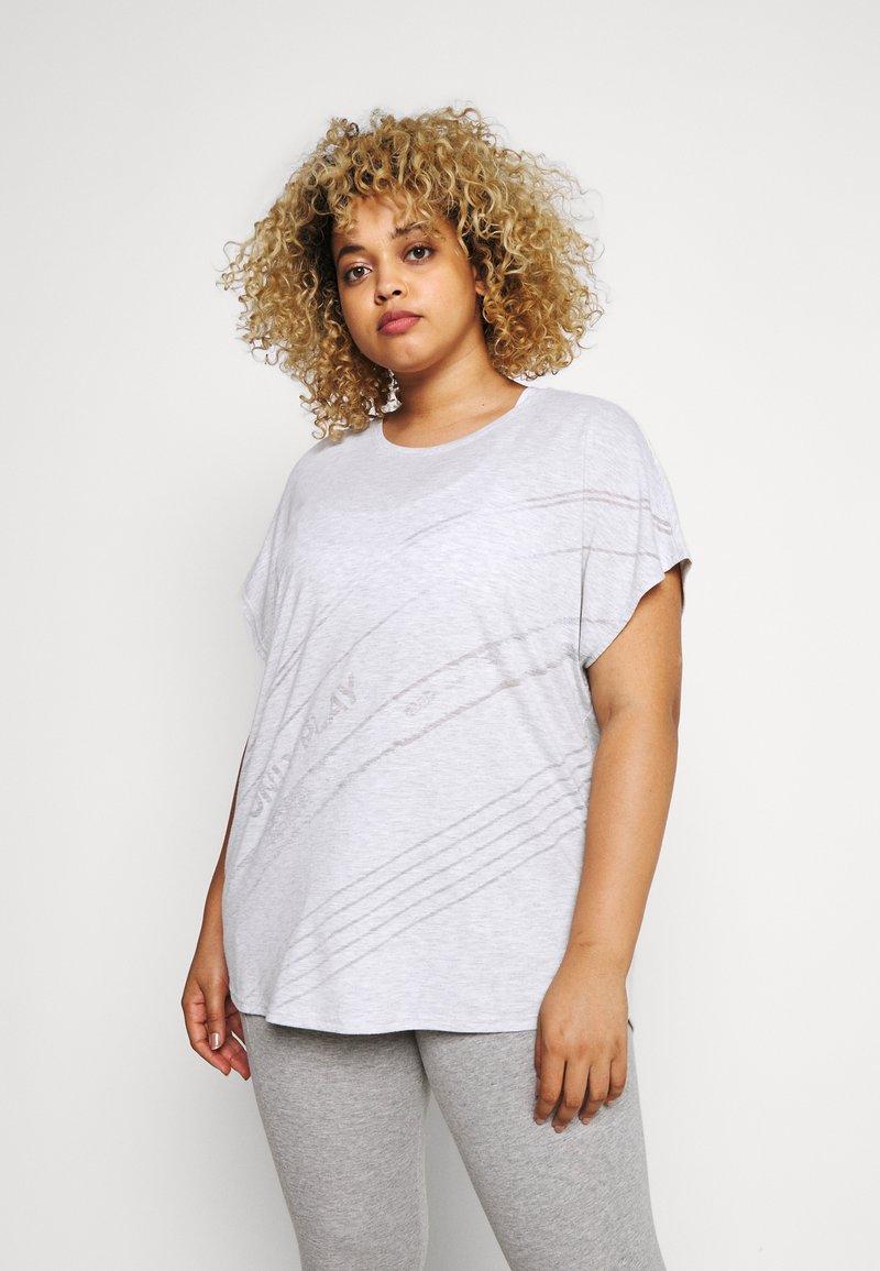 ONLY Play - ONPMAURA LOOSE BURNOUT TEE - T-shirt con stampa - white melange