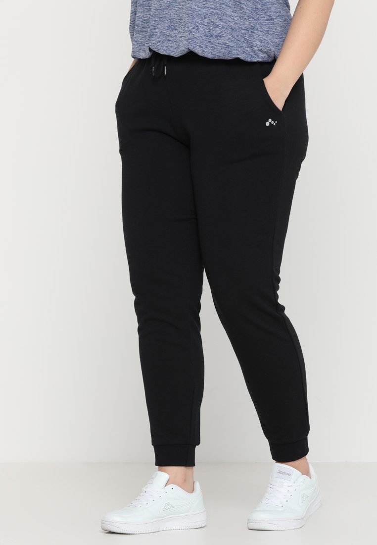 ONLY Play - ONPELINA PANTS CURVY - Tracksuit bottoms - black