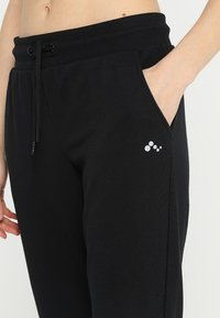 ONLY Play - ONPELINA PANTS - Jogginghose - black - 3