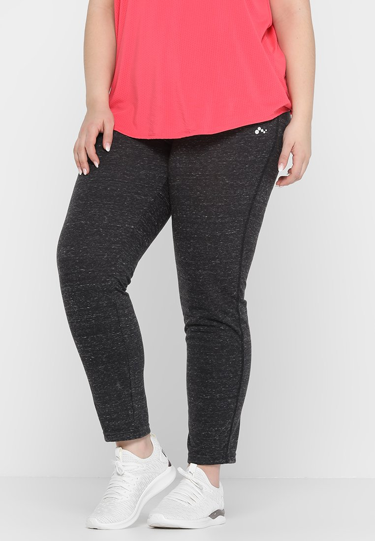 ONLY Play - ONPHANA PANTS CURVY - Tracksuit bottoms - black