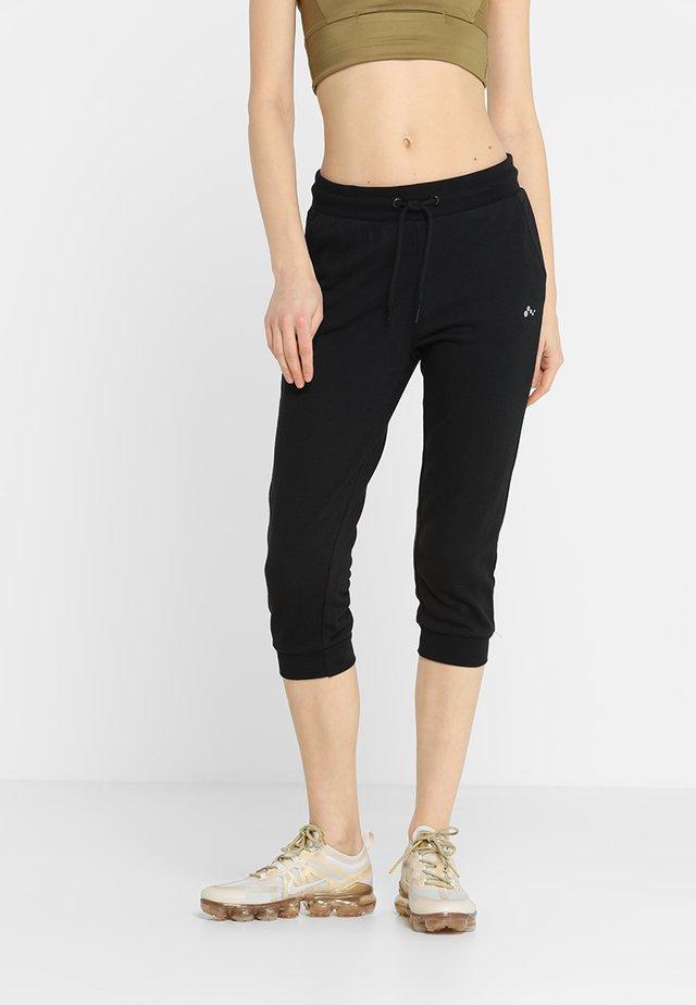 ONPELINA 3/4 PANTS - Tracksuit bottoms - black