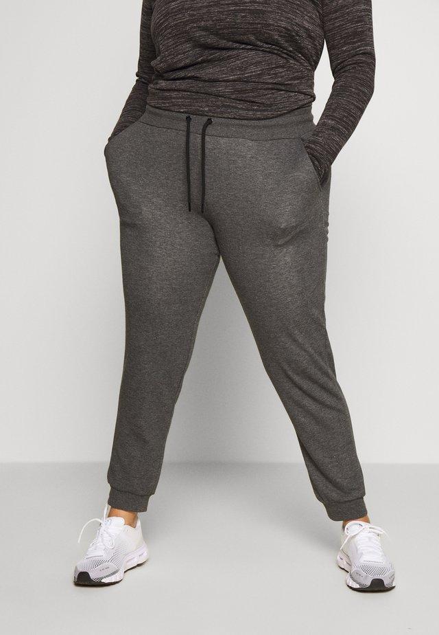 ONPELINA PANTS CURVY  - Teplákové kalhoty - dark grey melange