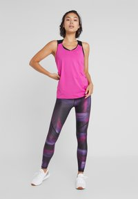 ONLY Play - ONPGOLDIE TRAINING - Legging - black/rave - 1