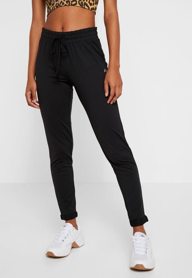 ONPJAVA LOOSE PANTS - Pantaloni sportivi - black