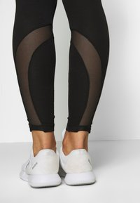 ONLY Play - ONPFRIDA LIFE LEGGINGS - Tights - black/white - 3