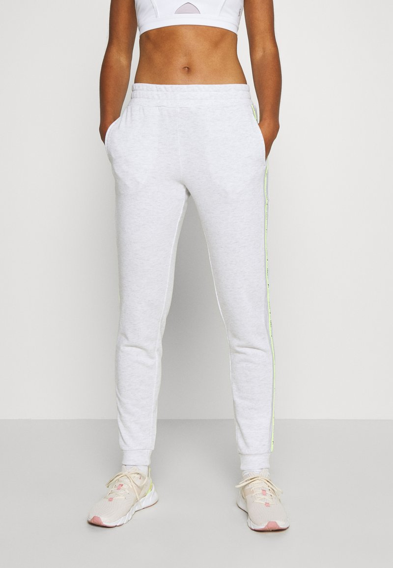 ONLY Play - ONPALYSSA PANTS - Joggebukse - white melange/saftey yellow