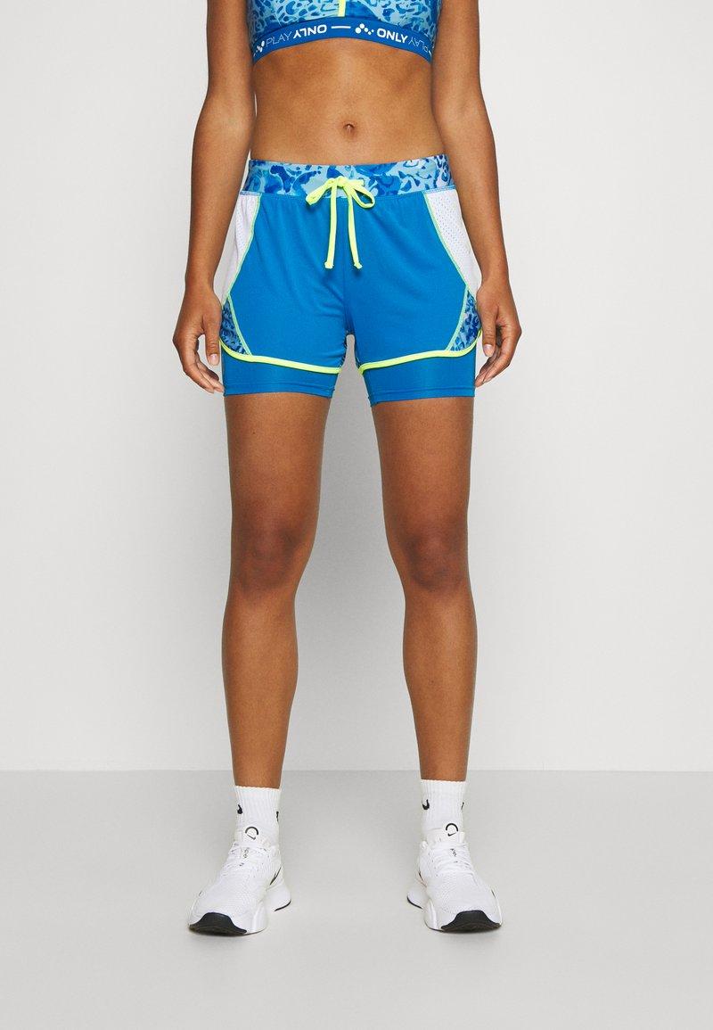 ONLY Play - ONPANGILIA LIFE  - Pantalón corto de deporte - imperial blue/white