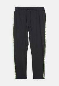 ONLY Play - ONPADOR PANTS CURVY - Teplákové kalhoty - black - 0