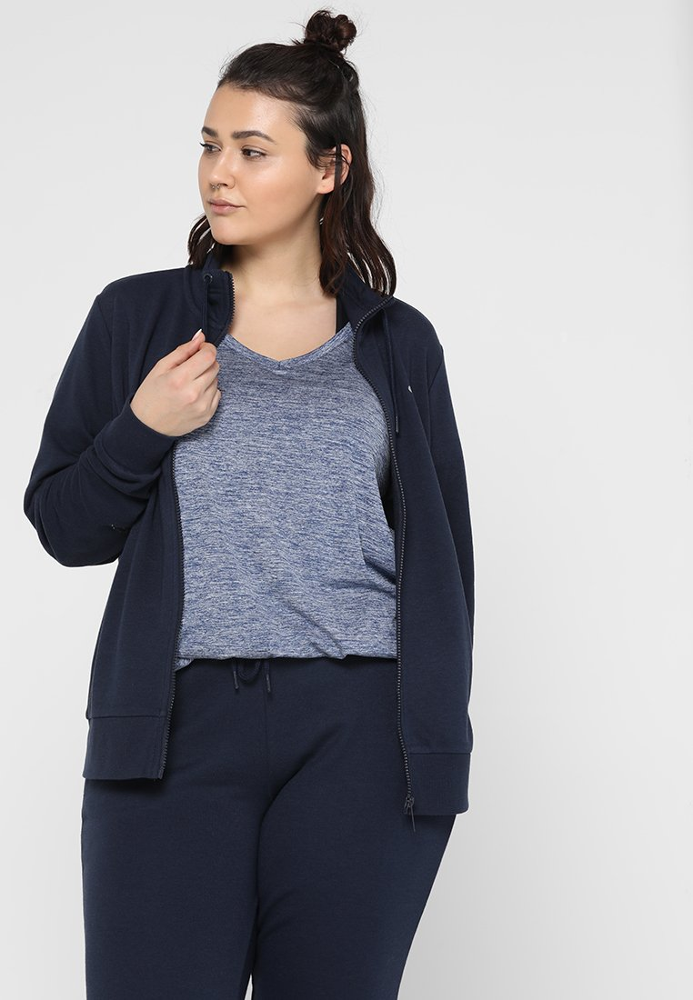 ONLY Play - ONPELINA HIGH NECK CURVY - Sweatjacke - navy blazer
