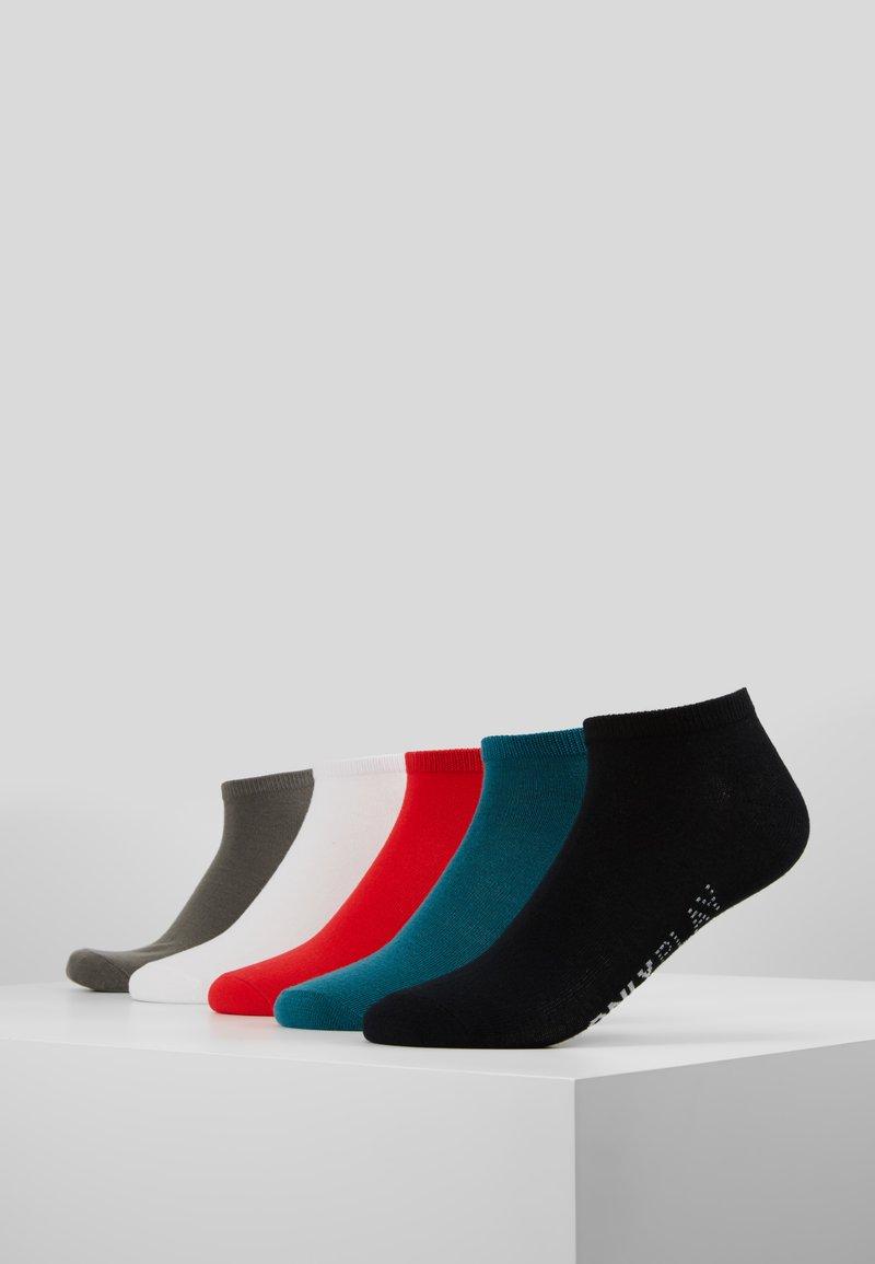 ONLY Play - ONPTRAINING FOOTIE 5 PACK - Sportssokker - black/shaded spruce/flame scarlet