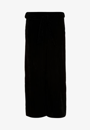 BELTED CULOTTE - Pantalon classique - black