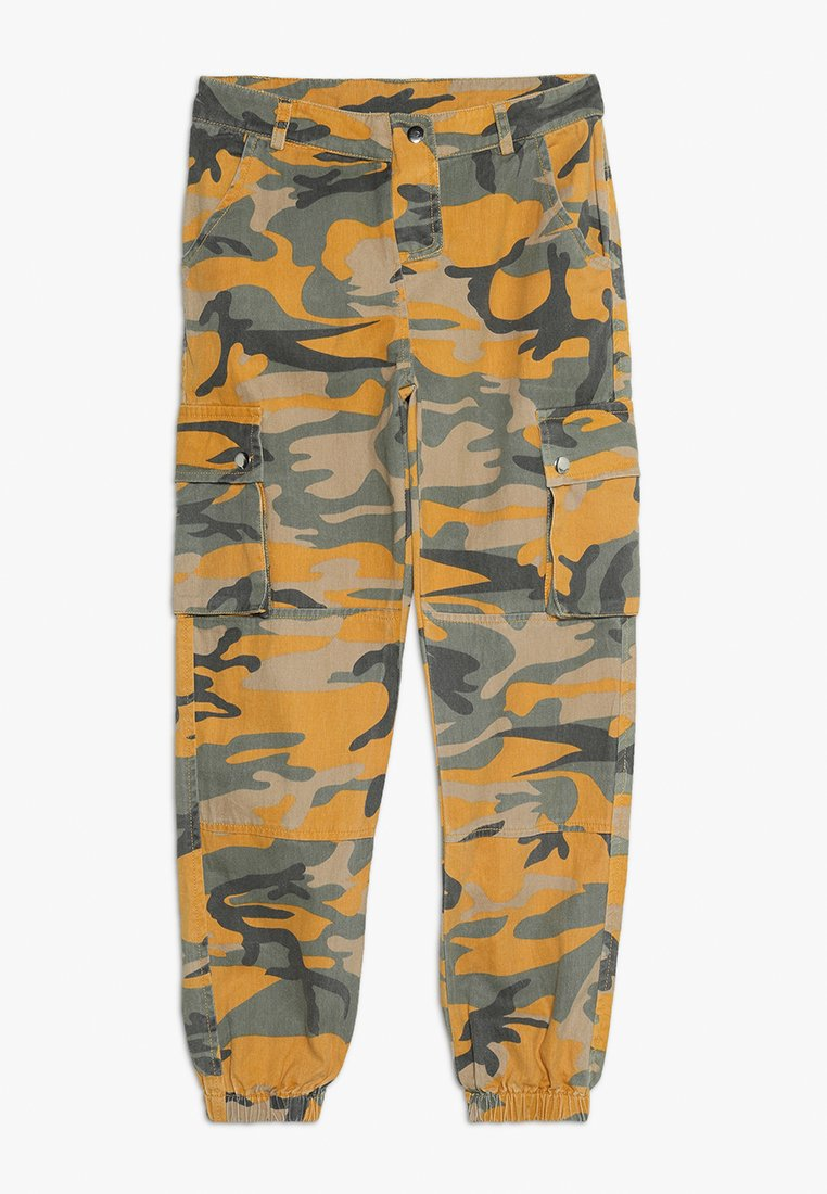 New Look 915 Generation - CAMO CARGO PANT - Relaxed fit jeans - yellow