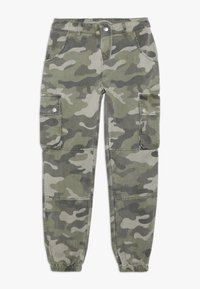 New Look 915 Generation - CAMO CARGO PANT - Cargo trousers - green - 0
