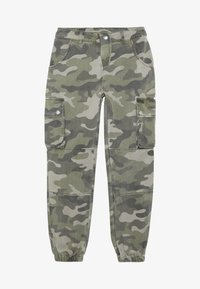 New Look 915 Generation - CAMO CARGO PANT - Cargo trousers - green - 2