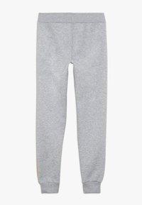 New Look 915 Generation - COLOUR BLOCK SIDE STRIPE - Pantalones deportivos - mid grey - 1