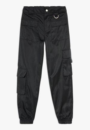 JEN MULTI POCKET TROUSER - Pantalon cargo - black