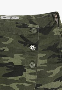 New Look 915 Generation - CAMO SKORT - Mini skirt - green