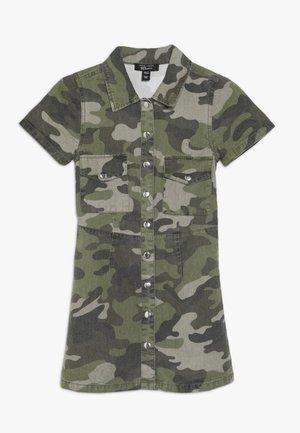 CAMO  - Denimové šaty - green