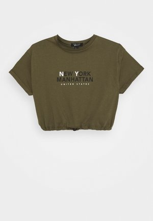 NY MANHATTAN LOGO TOGGLE HEM TEE - Print T-shirt - khaki