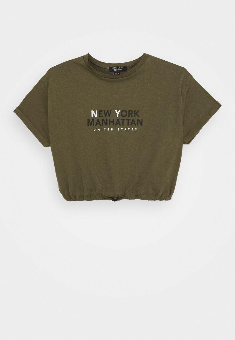 New Look 915 Generation - NY MANHATTAN LOGO TOGGLE HEM TEE - Print T-shirt - khaki