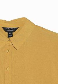 New Look 915 Generation - MILITARY BOXY  - Camisa - yellow - 4