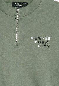 New Look 915 Generation - BADGE HEM NYC  - Collegepaita - green - 3