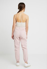 New Look Petite - MALIBU DESTROYED - Bukse - light pink - 2