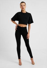 New Look Petite - 2 PACK - Leggings - black - 1
