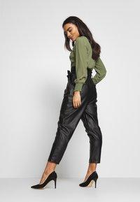 New Look Petite - TROUSER - Pantaloni - black - 2
