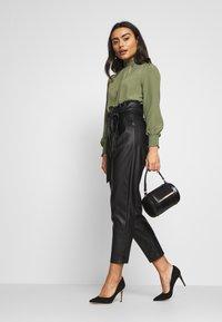 New Look Petite - TROUSER - Pantaloni - black - 1