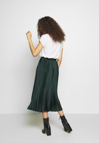 New Look Petite - PLEAT MID SKIRT - A-lijn rok - green - 2