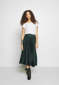 New Look Petite - PLEAT MID SKIRT - A-lijn rok - green