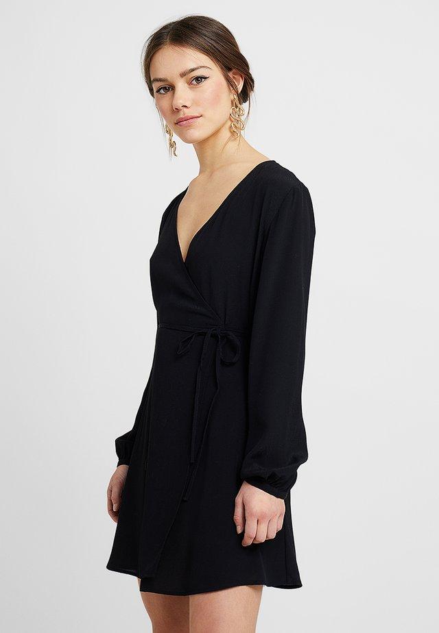 WRAP MINI DRESS - Freizeitkleid - black