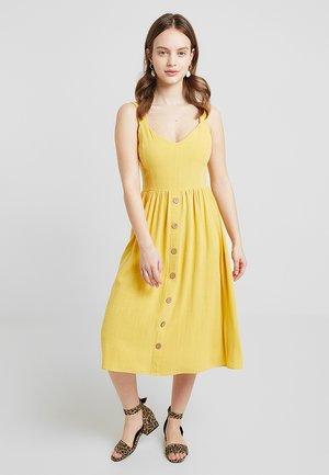 BURMUDA FRONT MIDI - Robe d'été - bright yellow