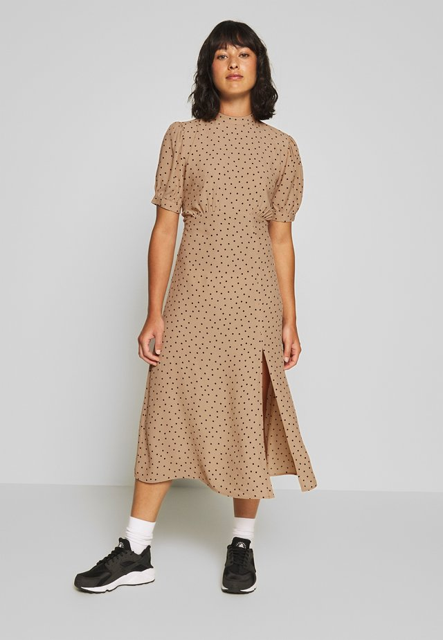 PRINT SPLIT MIDI DRESS - Day dress - brown