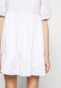 New Look Petite - SMOCK DRESS - Day dress - white - 6