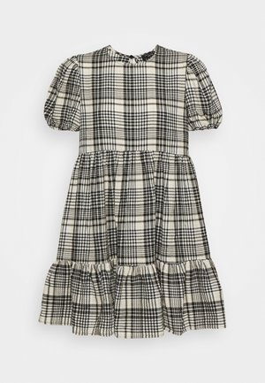 CRINKLE CHECK TIER SMOCK MINI - Denní šaty - white