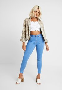 New Look Petite - SUPERSOFT - Jeansy Skinny Fit - blue - 1