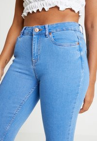 New Look Petite - SUPERSOFT - Jeansy Skinny Fit - blue - 5