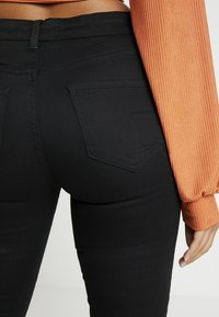 New Look Petite - SUPERSOFT - Jeans Skinny - black - 3